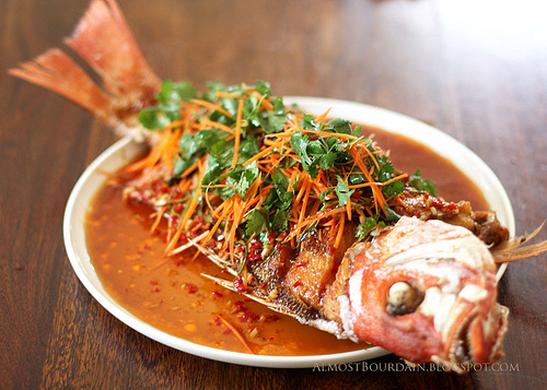 Recipe crispy whole fish with chili and cilantro sauce for Deep fried whole fish